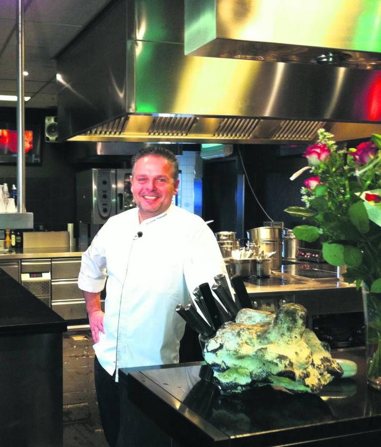 Edwin Vinke in de keuken van De Kromme Watergang.