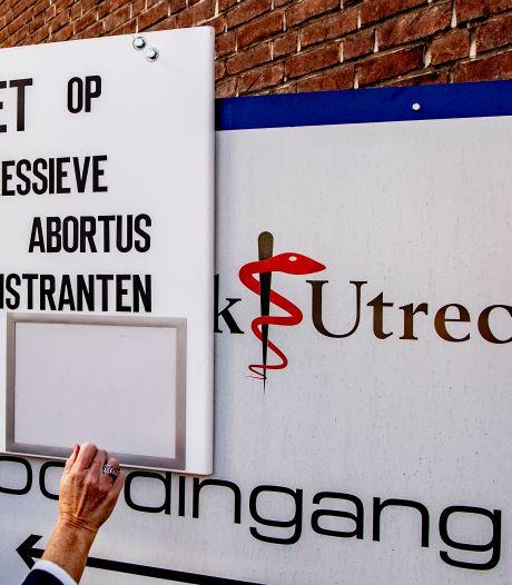 Anti-abortusdemonstranten mogen niet meer pal voor kliniek aan Biltstraat staan, wel aan de overkant