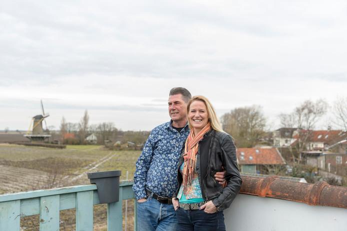Anita Duinhouwer en Jaco Konijnenburg op de Dijk van Bommenede.