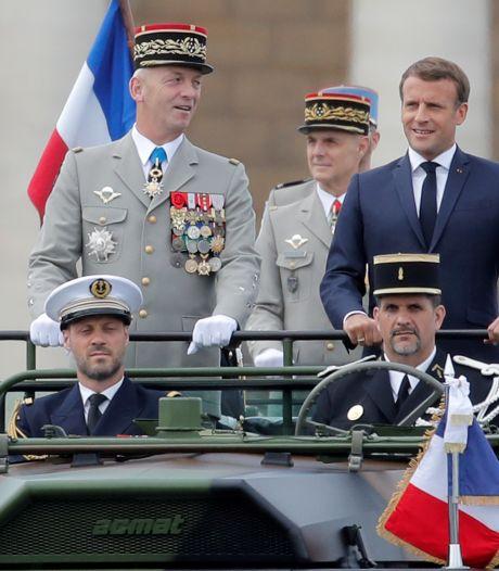 Les militaires français signataires d'une tribune controversée vont être sanctionnés