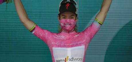 IJzersterke Anna van der Breggen pakt roze trui in Giro d'Italia