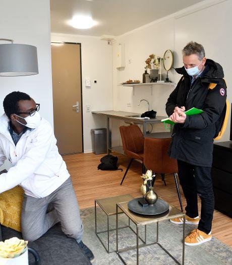 Jefferson (23) maakt deel uit van bijzonder project: in zijn nieuwe wooncomplex biedt hij hulp aan andere jongeren