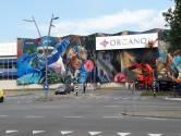 Enorm logo op kunstwerk Organon in Oss: 'Welke lomperik heeft dit bedacht?'