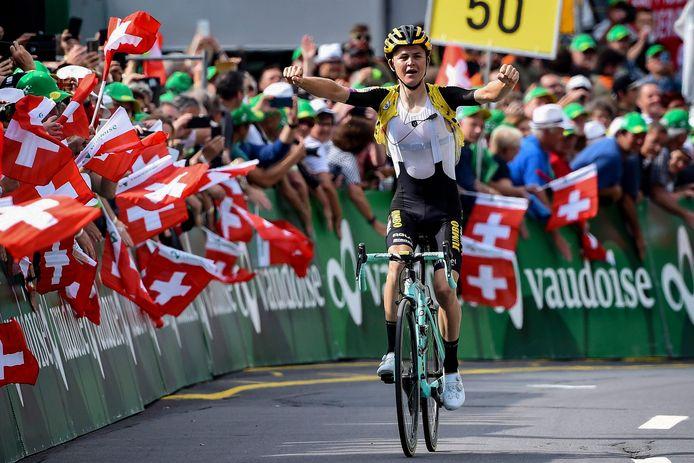 Antwan Tolhoek wint in 2019 een rit in de Ronde van Zwitserland.