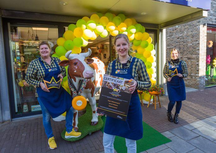 Astrid Willems (midden) is trots op de certificering.