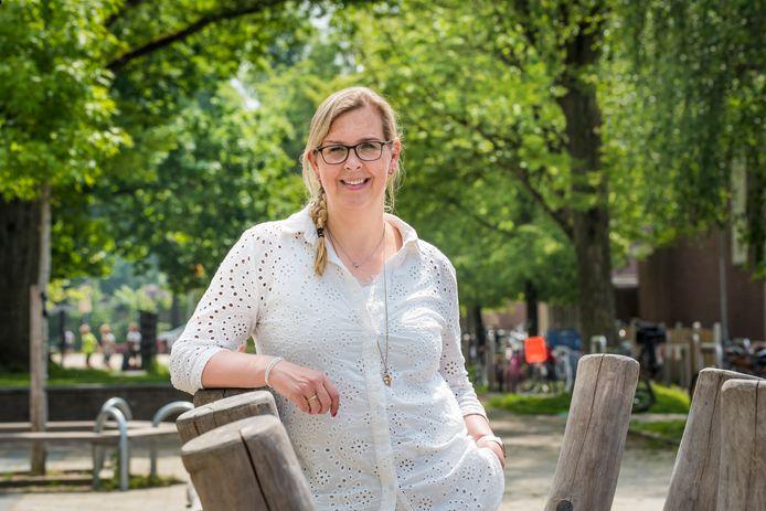 Rianne Buist is directeur van de basisscholen Glanerbrug-Noord en -Zuid. Twee keer moesten beide scholen dicht vanwege een corona uitbraak.
