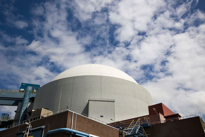 De kerncentrale bij Borssele. Bergen op Zoom wil geen centrale op haar grondgebied.