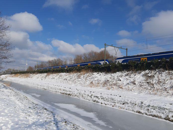 Langs het spoor in het zuidelijke deel van de wijk Schuytgraaf staat al een geluidsscherm dat de overlast van voorbijrijdende treinen moet beperken.