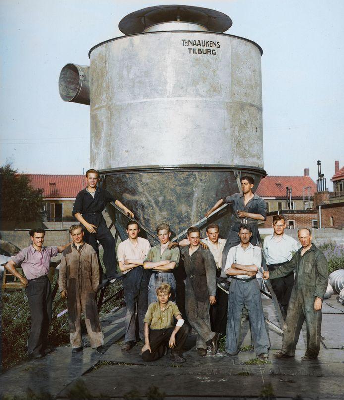Een archieffoto die dit jaar is ingekleurd, uit de periode 1946-1947.