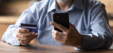 'Nep-bankmedewerkers' maken met babbeltruc pincode en pas buit in Zeddam