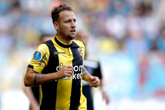 Roy Beerens als actief speler van Vitesse, in het seizoen 2018-2019. De Brabander wil graag weer deel uitmaken van de  selectie van de Arnhemse club, nu coach Leonid Sloetski is vertrokken.
