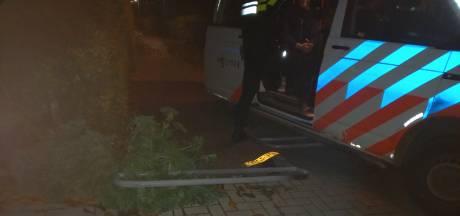 Automobilist rijdt zich klem tijdens achtervolging door politie in Groesbeek