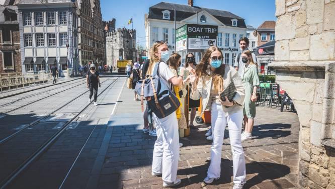 """Gent laat de mondmaskers vallen, alleen nog verplicht op drukke winkelassen: """"Blijf wel voorzichtig"""""""