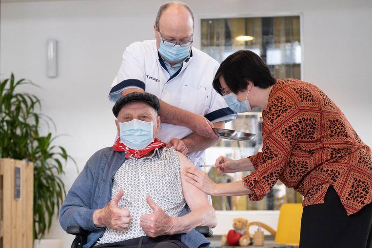 Midden januari kreeg Hermans zijn tweede prik van het Pfizervaccin. Beeld David Legreve