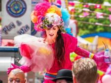 Kijk live mee: de dragqueen-pride van de Roze Maandag