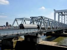 Rotterdam wil gevaarlijke stoffen via buis naar Duitsland sturen, maar of Dordrecht daar blij van wordt, is maar de vraag
