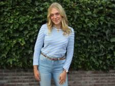 Isa (18) vindt school één van de leukste dingen in haar leven: 'Alles wat ik leer is mooi meegenomen'