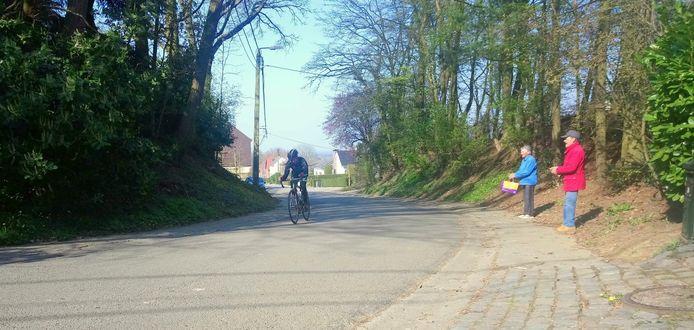 Wielertoerist Wim Claessens (41) reed de Sigarenberg in Winksele 105 keer op