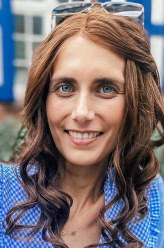 """COLUMN. Lara Switten (35), mama van 3 die strijdt tegen kanker: """"Me mooi maken blijft belangrijk. Voor mezelf, voor mijn positieve spirit"""""""