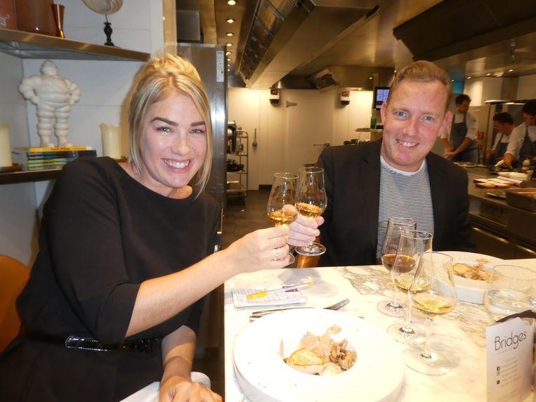 """Femke Pruis (Pitch pr) en Vincent van Dijk (HBMEO): """"Dit is zoveel leuker dan eten voor de televisie."""" Beeld Hans van der Beek"""