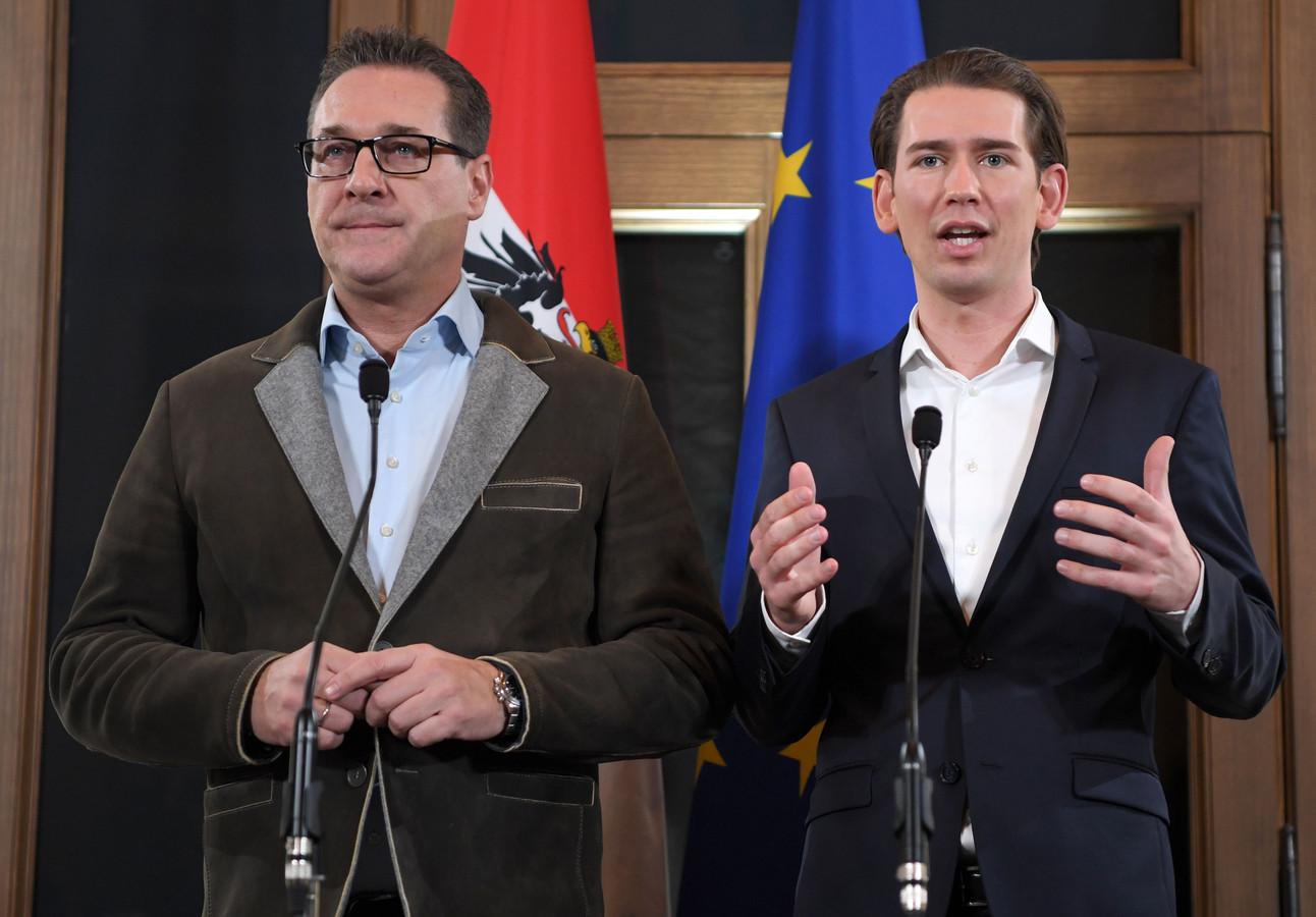 Heinz-Christian Strache en Sebastian Kurz tijdens een persconferentie