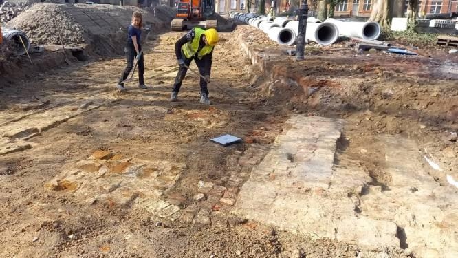 """Resten bisschoppelijk paleis gevonden bij archeologische werken De Leet: """"Een uitzonderlijke opgraving"""""""