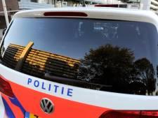 Politie vraagt op de Brink in Deventer aandacht voor haar online platforms