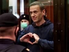 L'opposant russe Alexeï Navalny envoyé en prison pour près de trois ans, tollé occidental