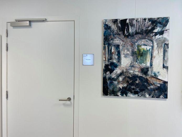 De schilderijen zijn van psychiatrisch verpleegkundige Ingrid Joris