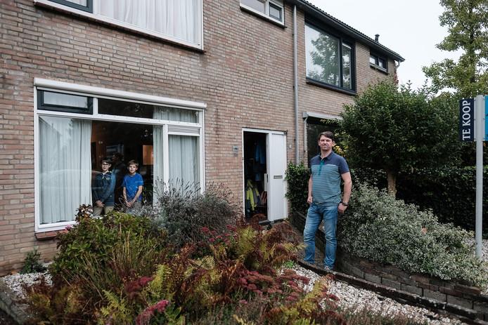 Remco van den Berg heeft zijn ruime tussenwoning in Zevenaar te koop gezet.