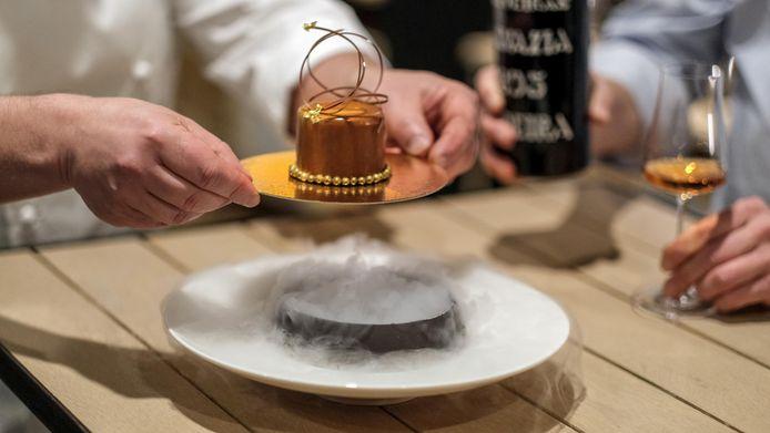"""""""De combinatie van de Madeira d'Oliveira 1895 en het taartje is bijzonder goed geslaagd."""""""