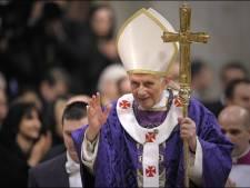 L'ancien pape Benoît XVI appelle son successeur à ne pas ordonner d'hommes mariés
