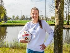 Voetbaldroom voor Lucy (14): volgend seizoen speelt ze bij Feyenoord