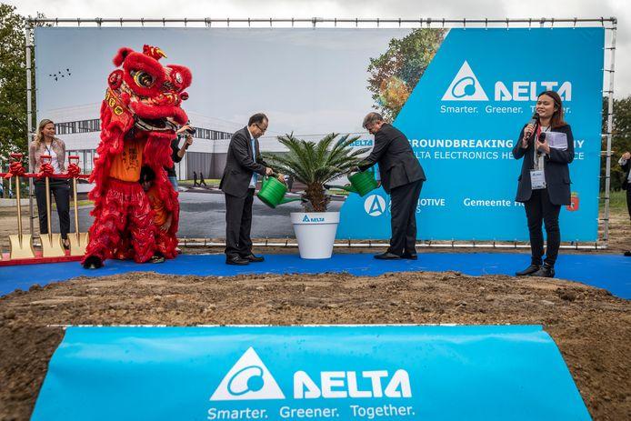 De bouw van het nieuwe kantoor van Delta Electronics  op de Automotive Campus Helmond ging in 2019  spectaculair van start.