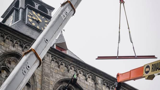Het frame staat er, donderdag wordt de nieuwe klok in de Plechelmus van Oldenzaal gehesen