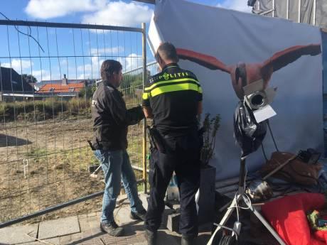 Actievoerders verlaten 'kraakcamping' in Scharendijke; terrein leeg en afgesloten