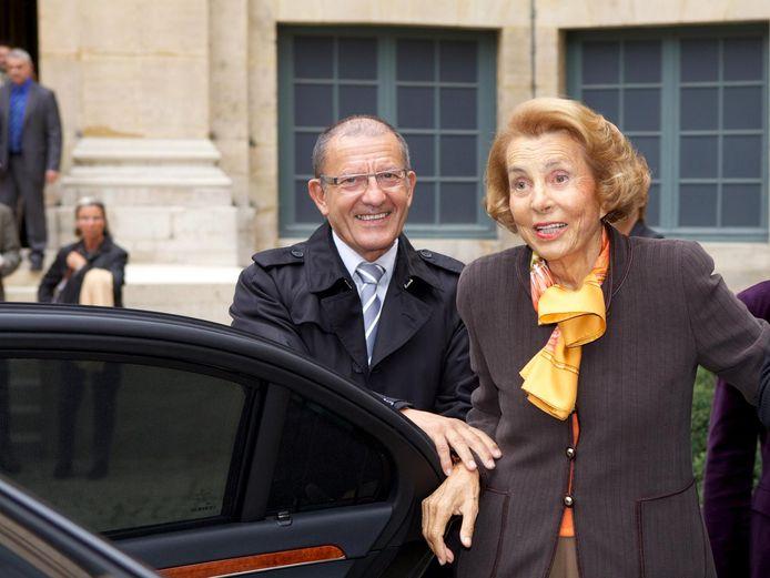 De Franse Liliane Bettencourt, 94 intussen, blijft de rijkste vrouw ter wereld, voornamelijk omdat ze erfgename is van de oprichter van cosmeticamerk l'Oréal.