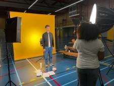 Jeugdjournaal maakt opnames op het Kalsbeek College in Woerden