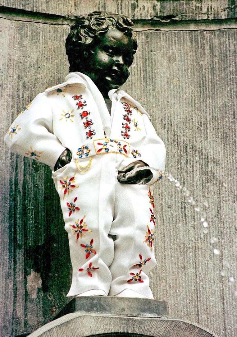 Manneke Pis in Brussel op 16 augustus 1999: Elvisdag.  Beeld Hollandse Hoogte / AFP