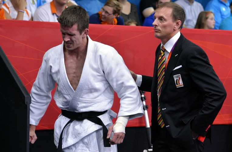 Danny Belmans ziet zijn voormalige poulain Dirk Van Tichelt meedingen naar een medaille. Beeld BELGA