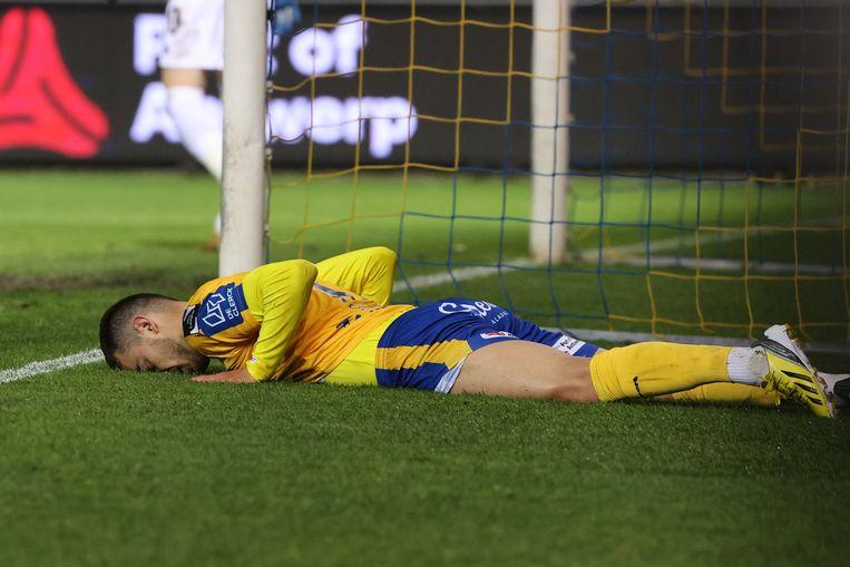 Ontgoocheling bij Danel Sinani (Waasland-Beveren): zijn team verdwijnt na bijna een decennium uit de Jupiler Pro League. Beeld Photo News