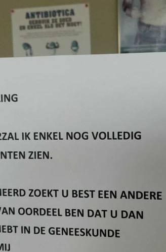 """Antwerpse huisarts weigert niet-gevaccineerde patiënten: """"Niemand hangt voor zijn plezier zo'n boodschap uit"""""""