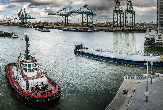 De Antwerpse haven houdt redelijk goed stand in dit coronajaar.