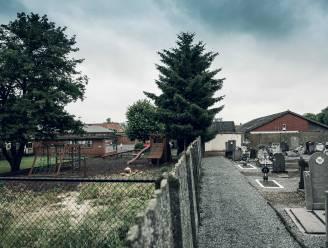 Basisschool 't Laantje in Ulbeek verliest deel van speelplaats aan... kerkhof