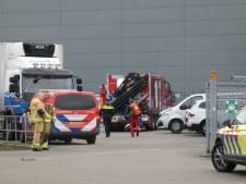 Ongeval bij Neptunus Seafood in Enschede: 'Twee monteurs vielen van dak'