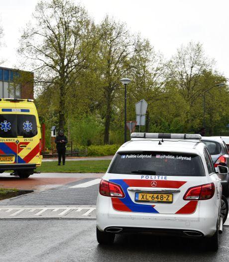 Vrouw op fiets raakt gewond na aanrijding met auto in Lelystad