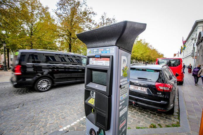 Parkeren in Brugge: er waren in 2020 minder boetes, maar ook minder controles.