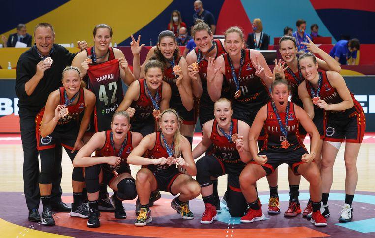 De Belgian Cats met hun bronzen medaille. Beeld BELGA