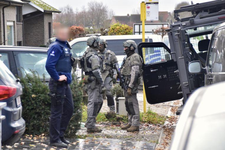 Overleg bij de gespecialiseerde eenheden van de federale gerechtelijke politie op de Brugsesteenweg in Pittem.