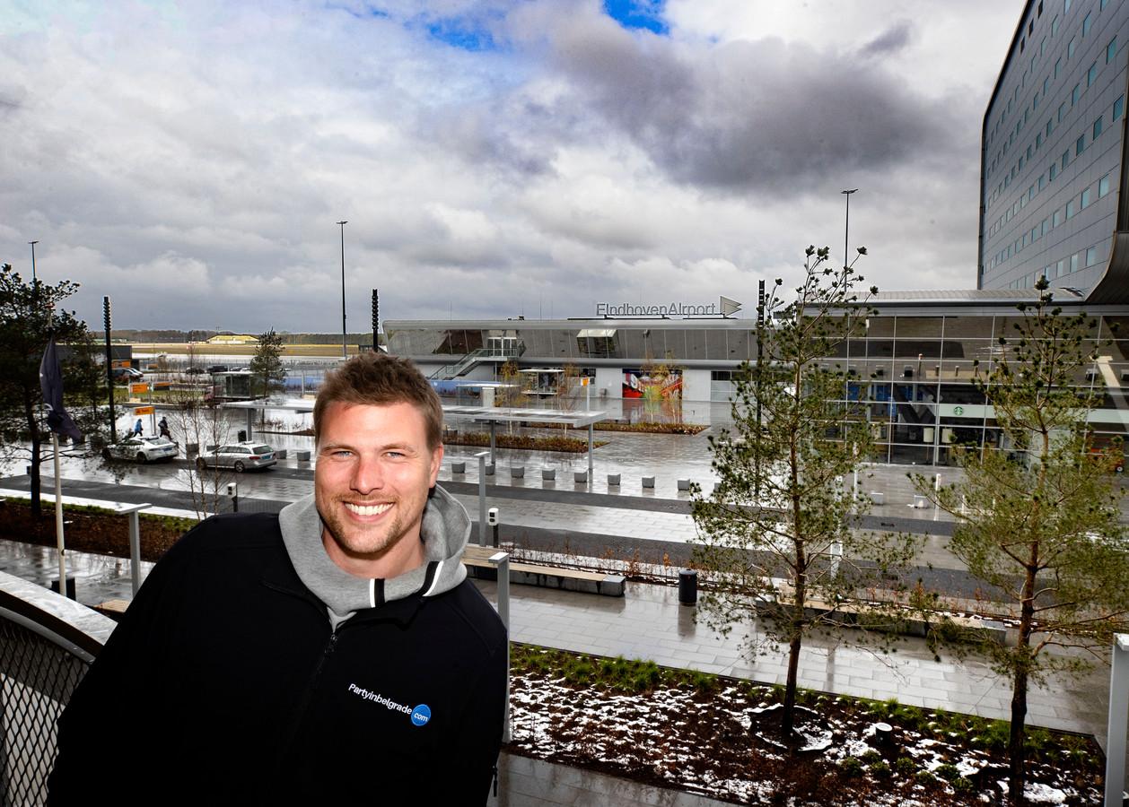 Thomas Zaatman organiseert vaccinatievluchten naar Belgrado vanaf Eindhoven Airport